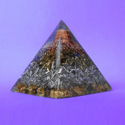 Special Orgone Pyramid  HHG - with Lemurian crystal